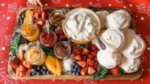 People Are Creating Eton Mess Boards For Christmas