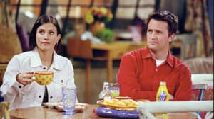 Friends Fans' Shock As It Turns Out Matthew Perry And Courteney Cox Are Related IRL