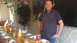 Dad Builds Incredible Table Using Palettes To Accommodate Everyone At Christmas