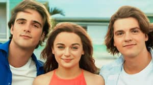 Netflix Drops Trailer For Kissing Booth 3