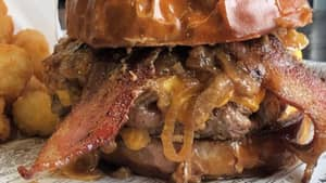 The Suburban, Minnesota Restaurant Claims 'Labour Inducer' Burger Has Helped Women Give Birth