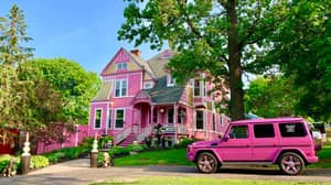 This Giant Pink House In Hudson Is The Ultimate Getaway
