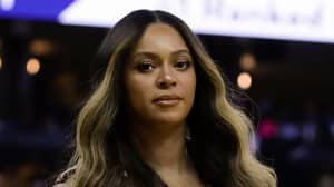Beyoncé's Unamused Reaction To A Woman Talking To Jay-Z Has Twitter In A Frenzy