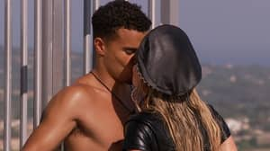 Love Island: Toby Ditches Kaz As He Shares Kiss With Chloe