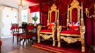 You Can Now Stay In A Buckingham Palace Themed Caravan In Yorkshire