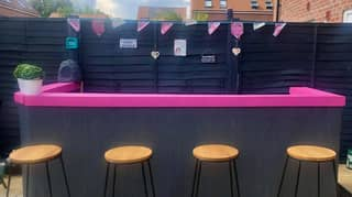 These Gorgeous Outdoor Bars Made From Wooden Pallets Are So Easy To Recreate