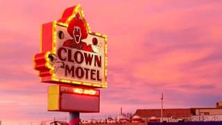 You Can Now Stay In This Creepy Clown Motel - And It's Straight Out Of A Horror Movie