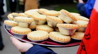 Half Of Brits Would Consider Eating Mince Pies For Breakfast And WTAF