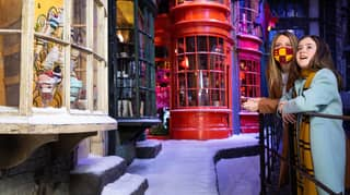 Diagon Alley In The Snow Has Arrived At Harry Potter Studio Tour