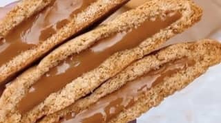 Woman Makes Biscoff Cookies With Oozing Melted Centres
