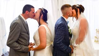 Thrifty Brother And Sister Share Wedding Day To Save Money