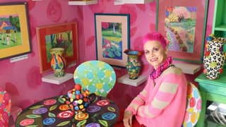 Woman Can't Sell Her House As The Decor Is 'Too Crazy'