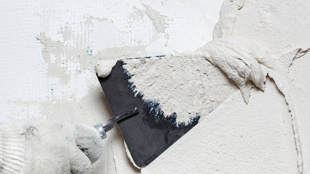Plasterer Offers To Fix Homes Of Domestic Abuse Survivors For Free