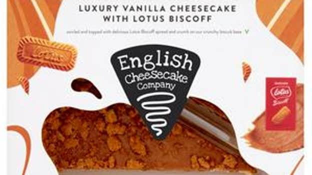 Sainsbury's Is Selling A Luxury Vanilla Lotus Biscoff Cheesecake