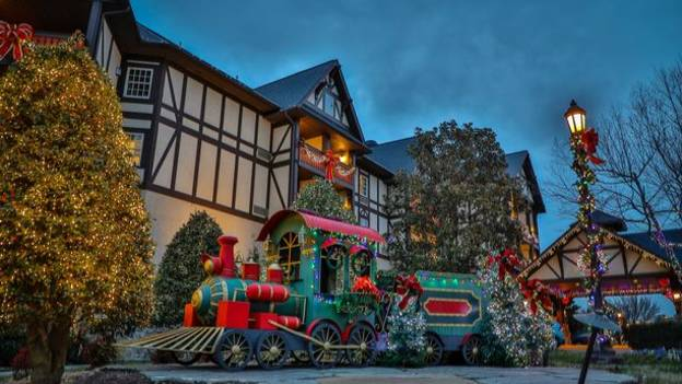 You Can Now Stay In A Festive Hotel That Celebrates Christmas All Year Long