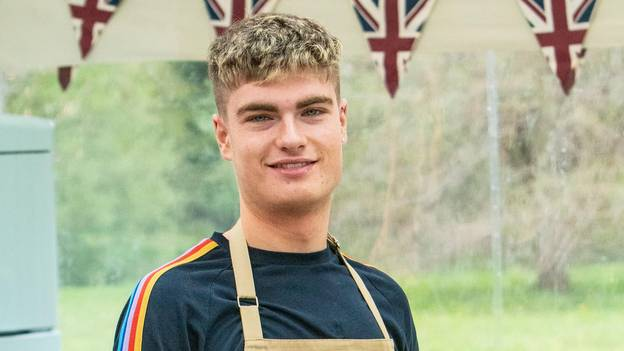 'Great British Bake Off' Fans Have Fallen In Love With Jamie For The Most Relatable Reason