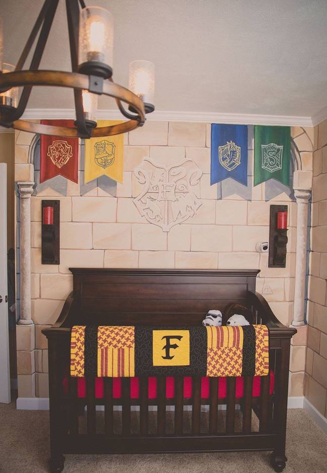 Kaycee asked a friend to create the Gyffindor bedding (Credit: Kristi-Lee Photography)