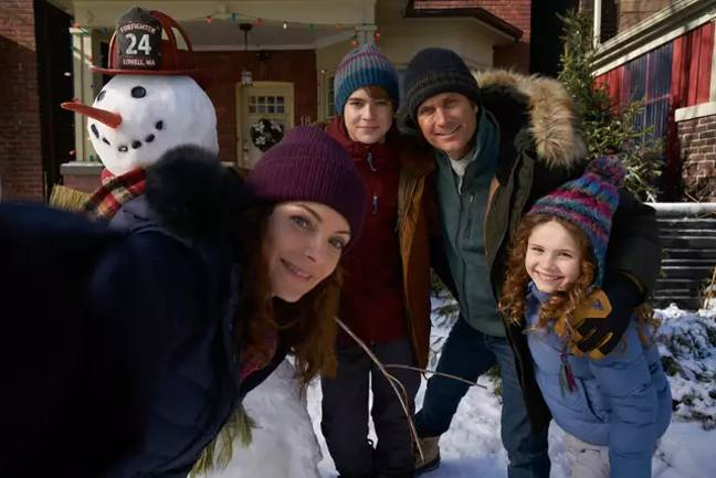 'The Christmas Chronicles 2' will revisit Kate, pictured far right, who is now a disillusioned teenager (Credit: Netflix)
