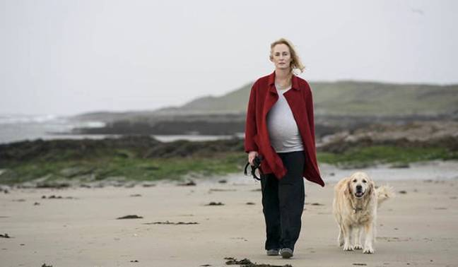 Rosie heartbreakingly loses her baby on the beach (Credit: BBC One)