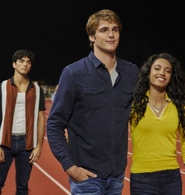 Noah grows close to a seemingly-perfect college girl, Chloe (Credit: Netflix)