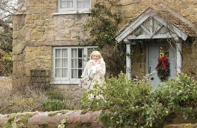 Fancy escaping to the countryside like Cameron Diaz? (Credit: Columbia Pictures)
