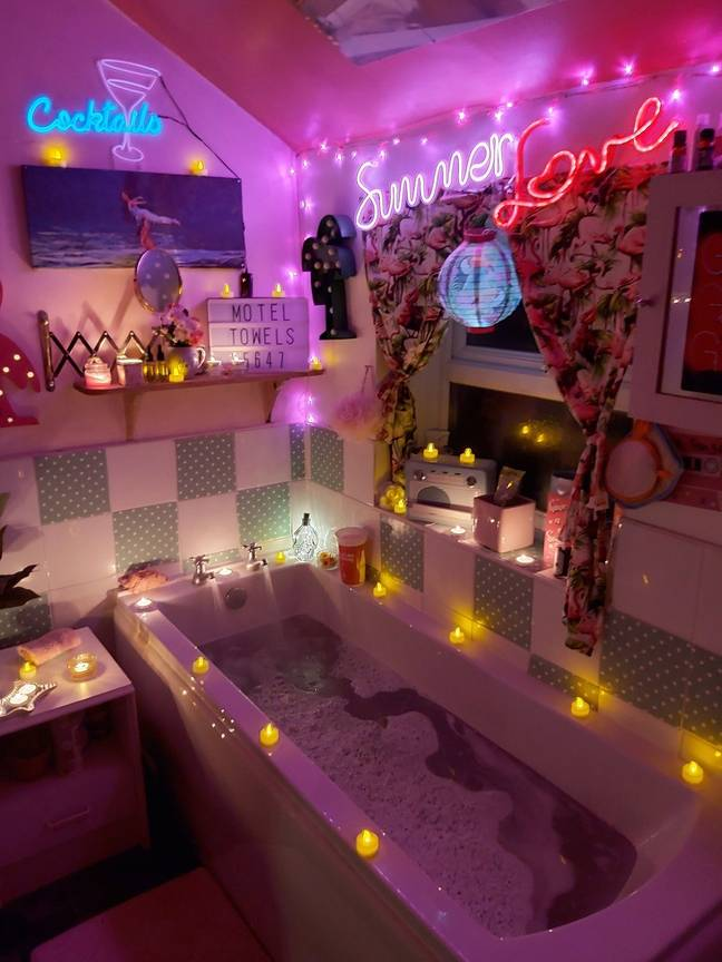 Her bathroom was inspired by the art-deco hotel in Pretty Woman (Credit: LatestDeals.co.uk)