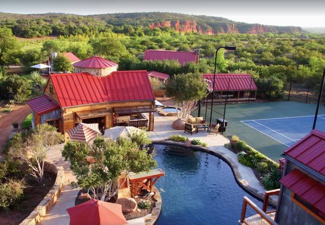 It's located in Texas and sleeps up to 37 people (Credit: VRBO)