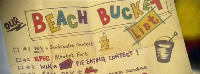Elle and Lee find their old 'beach bucket list' (Credit: Netflix)