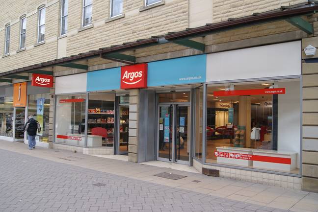 With many customers turning to online shopping, Argos is scrapping its print catalogue (Credit: WikiCommons)