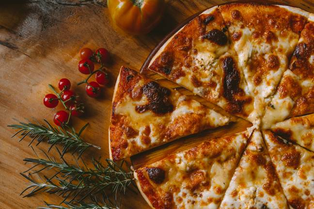 Fancy making pizza at home this summer? Lidl has the perfect solution (Credit: Unsplash)