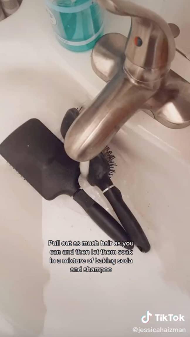 Jessica explained she washes her brushes every two weeks (Credit: TikTok/@jessicahaizman)
