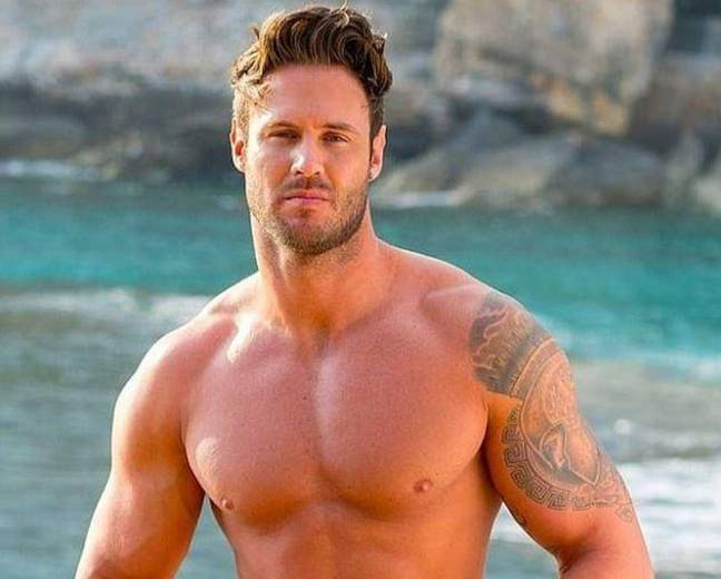With a tan, tats, new hair do and chiselled bod, the reality star barely recognisable (Credit: 'Love Island' Australia)