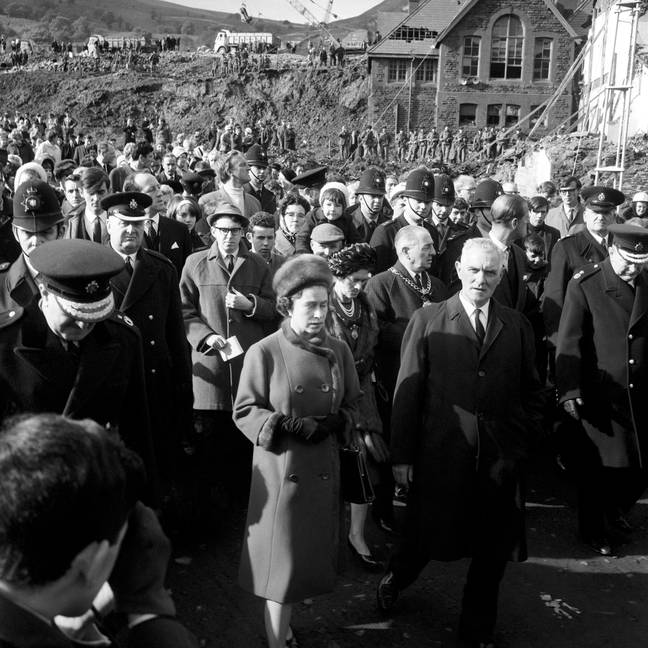 The Queen visiting the site of the Aberfan disaster in 1966. (Credit: PA)