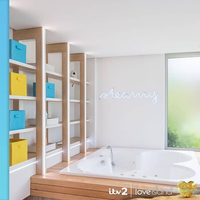 Look at that bathtub! ' Credit: Instagram/loveisland