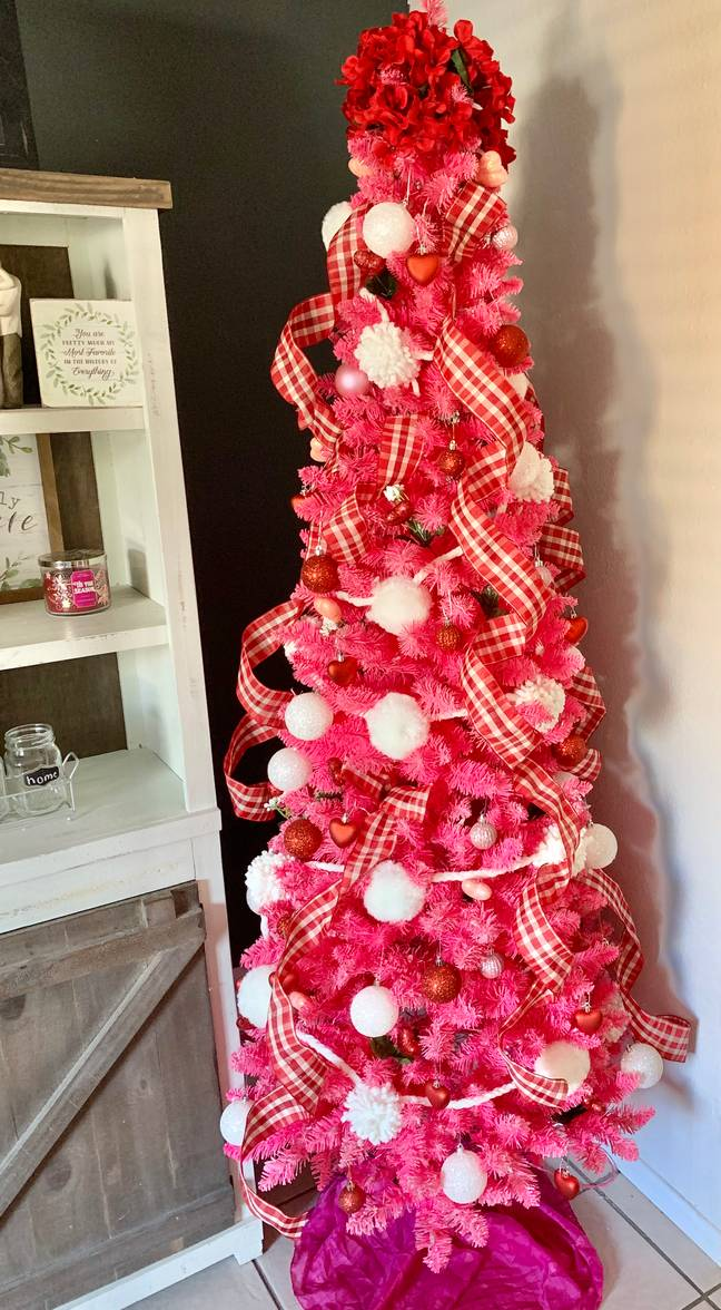 Karina's tree is Valentine's Day embodied thanks to its pink and red theme (Credit: Instagram/moms_are_people_too)
