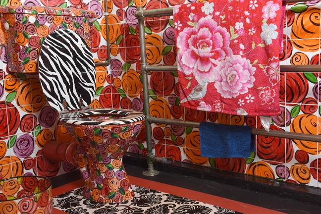 We're a little bit obsessed with this loo (Credit: Caters)