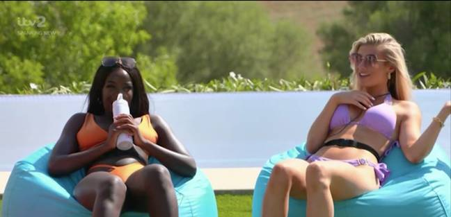 Faye is all for an outdoor wee (Credit: ITV)
