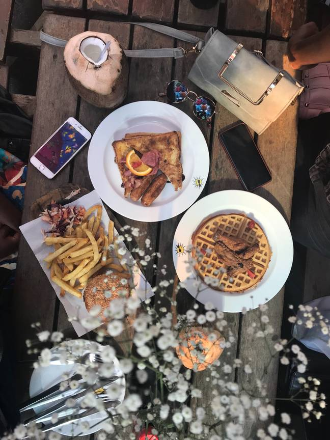 Outdoor restaurants in Oxfordshire will look to ban smoking (Credit: Unsplash)