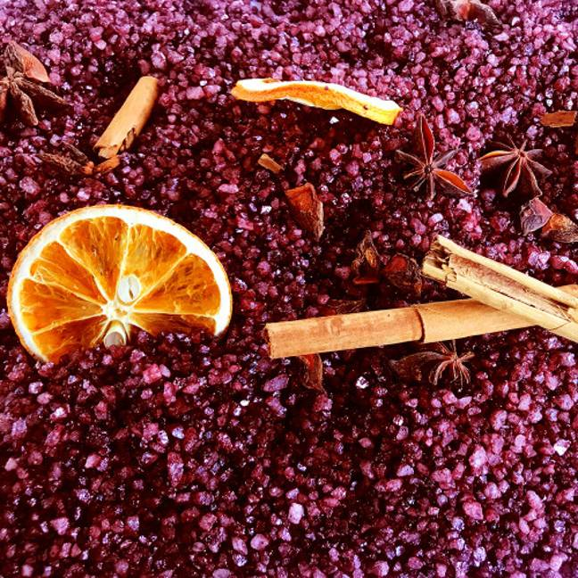 The salts contain a festive blend of fruits, spices, cranberries and shimmer. (Credit: Beauty Bay)