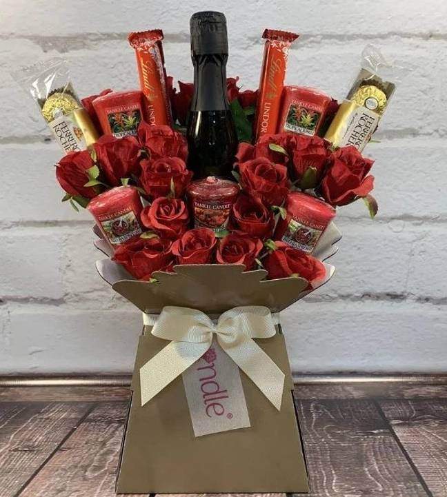 This Yankee Candle bouquet makes the perfect Valentine's present (Credit: Celebrate Gifts)