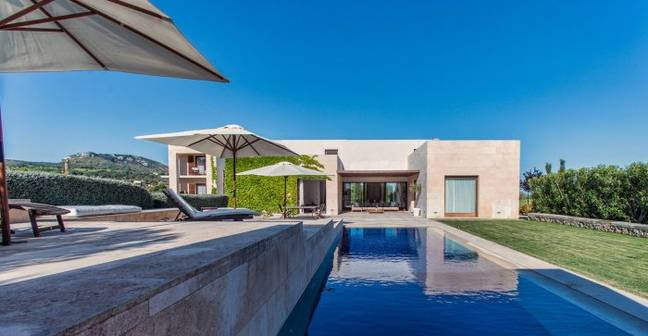 Casa Amor pool (Credit: Villa Retreats)