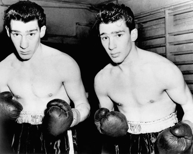 Ronnie and Reggie Kray as young men (Credit: PA)