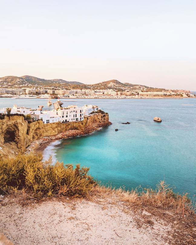 It's going to be hotter in London than Ibiza (Credit: Unsplash)