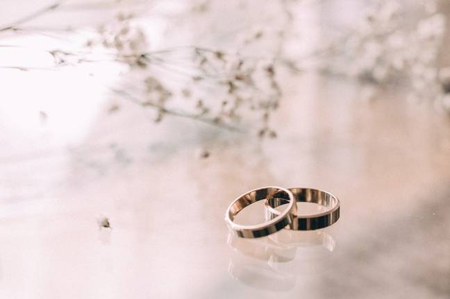 Under current rules, weddings and civil partnership ceremonies must only take place with up to 6 people (Credit: Pexels)