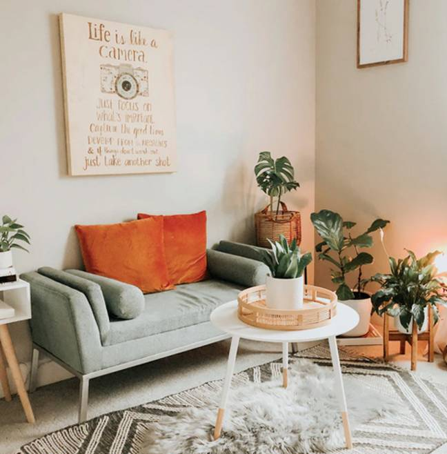 Does your living room need a revamp? (Credit: Pexels)