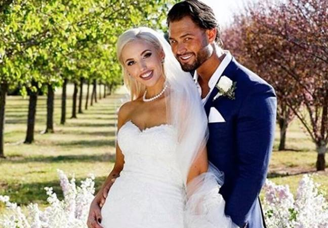 Lizzie married unfaithful Sam the first time around (Credit: Channel Nine)