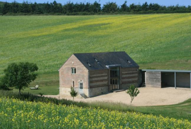 Maybe the Blagfon Lower Barn is more for you (Credit: Dorset Hideaways)