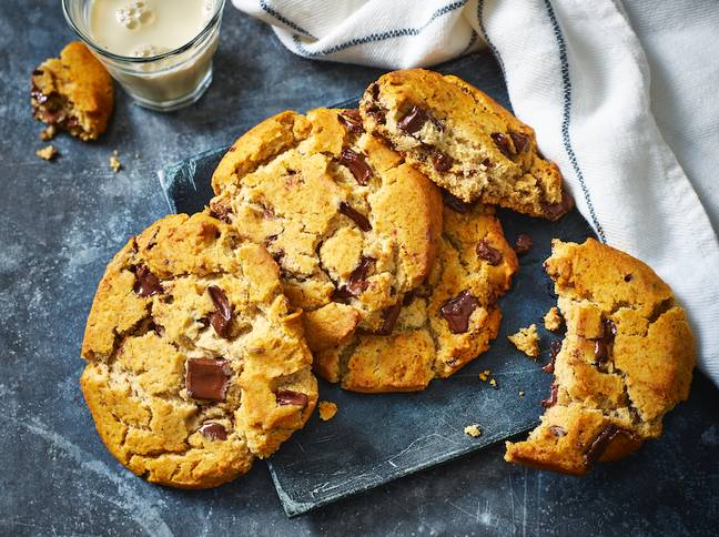 You can also grab a delicious vegan cookie too (Credit: M&S)