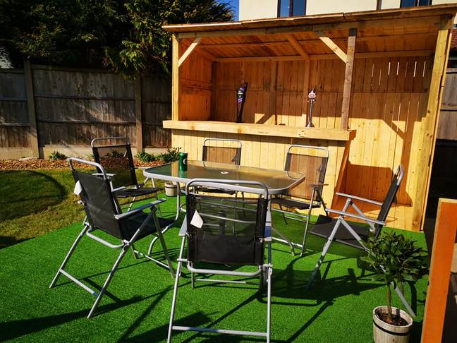 Who needs a pub when you have this set up?! (Credit: Natalie Heaton/Extreme Couponing And Bargains Group UK)