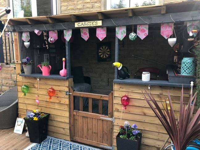 Jaime also used the cute bunting on her bar (Credit: Jaime Lee Carter/Extreme Couponing and Bargains UK Group)